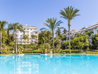Spacious apartment in Marbella with Parking, Washing machine, Air conditioning,