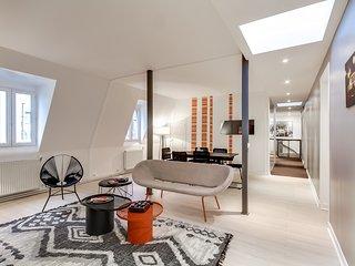 Paris Holiday Apartment 26644