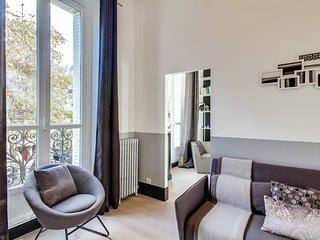 Paris Holiday Apartment 26635