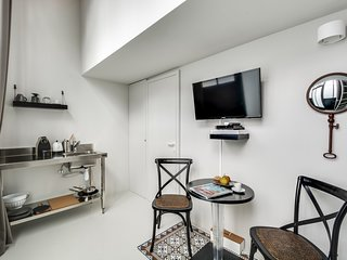 Paris Holiday Apartment 26557