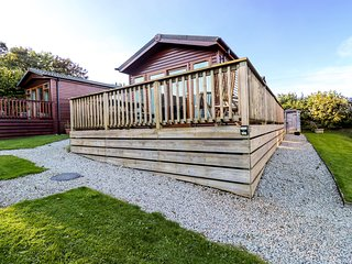 3 THE BEECHES, open-plan, rural holiday park, near Wadebridge