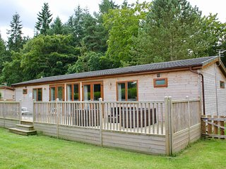 TUMBY, WiFi, private hot tub, Woodhall Spa