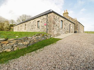 QUIEN EAST, SPENCE COTTAGE, all ground floor, woodburner, pet-friendly, private