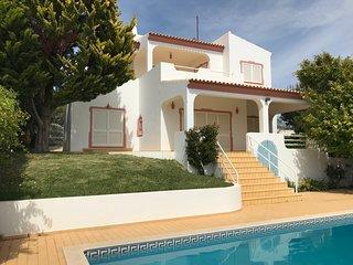 VILLA ROSA Mosqueira Albufeira Algarve proche Albufeira (2km) et plages (3km)