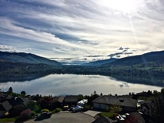 BEAUTIFUL SPACIOUS KALAMALKA LAKEVIEW SUITE - BEST SUMMER VACATION SPOT IN BC