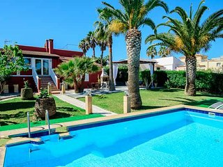 Portocolom Villa Sleeps 8 with Air Con and WiFi - 5000862