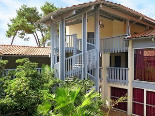 Port d'Albret Apartment Sleeps 6 with Pool and Free WiFi