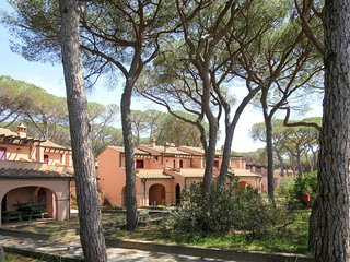 1 bedroom Apartment in Casa Botrona, Tuscany, Italy : ref 5719554