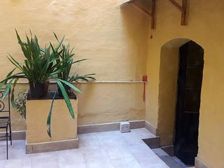 Vittoriosa Town house with yard