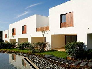 2 bedroom Villa in Aldeia das Acoteias, Faro, Portugal : ref 5049128