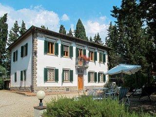 5 bedroom Apartment in Petrognano, Tuscany, Italy : ref 5719507
