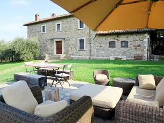 5 bedroom Villa in Chianaiola, Umbria, Italy : ref 5718433
