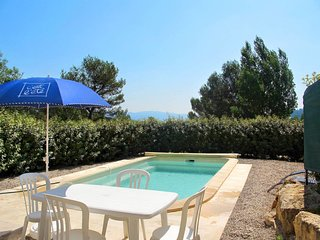 Sillans-la-Cascade Holiday Home Sleeps 6 with Pool and Free WiFi - 5719870
