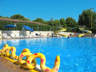 Gralaoni-Pralesi-Cisano Holiday Home Sleeps 7 with Pool Air Con and WiFi
