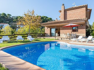 Villa llevant - Villa with swimming-pool close to the beach