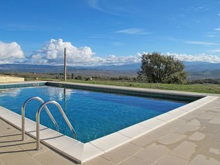 2 bedroom Apartment in Dogana, Tuscany, Italy - 5719106