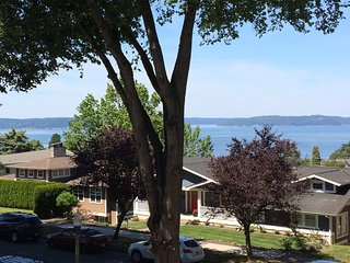 Bay View Abbie Wright 2 bedroom 2 bathroom Tacoma's best neighborhood