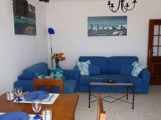 Top Floor Ocean View Apartment – Near Beach Luz