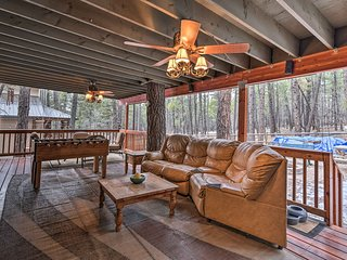 NEW! Munds Park Cabin w/Furnished Deck & Fire Pit!