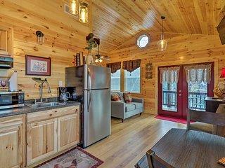 Cozy Heber Springs Cabin w/ Deck & Dock!