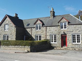 Rowallan is a wonderful family home in the beautiful Highland village of Rogart.