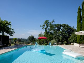 Cottage near St Emilion with heated pool (8p)