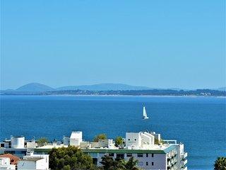 Vista al mar. Piso alto. Cerca de la playa y el centro de la ciudad 06