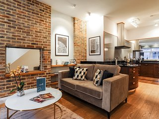 London Holiday Apartment 26698