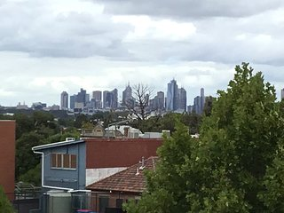 StayCentral Essendon Central Sub-penthouse