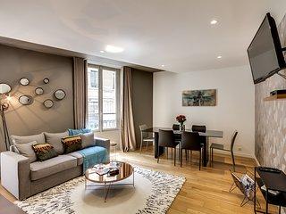 Paris Holiday Apartment 26808