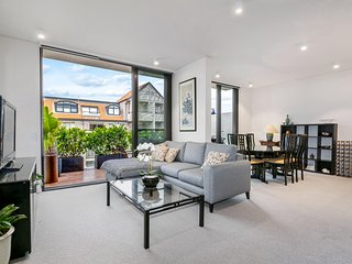 HB004 - Mosman Village Living