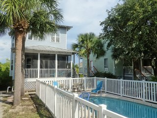 DoctorsOrdersDestin Private Pool, short walk to Private Beach, plenty of parking
