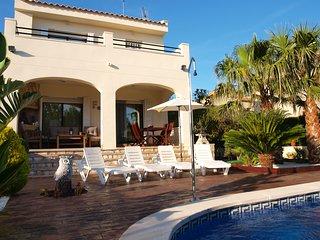 Bonita Villa Con Piscina Privada Y Barbacoa