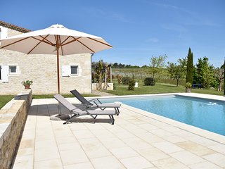 Cottage close to Bordeaux, Saint Emilion and Bergerac