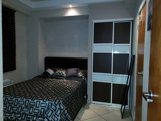 Apartment for 4-Heart of San Juan-Wifi-24h security