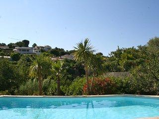 Spacieuse villa climatisée avec piscine privative et jardin demoustiqué