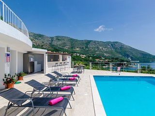 Apartments Sandito-One-Bedroom Apartment with Terrace and Sea View