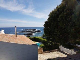 Villa in Binisafua beach 30 m from the sea