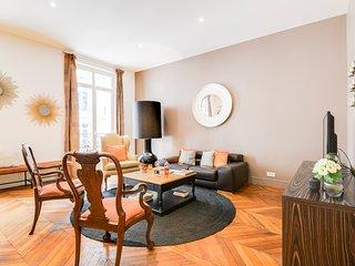 Paris Holiday Apartment 26941