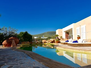 VILLA DOMINO CLOSE TO USHUAIA & IBIZA
