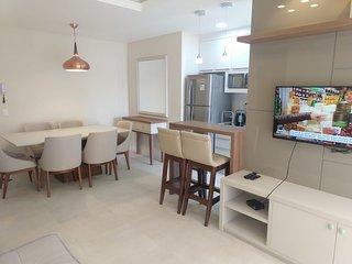 Apartamento novo no centro de Bombinhas MGui 307