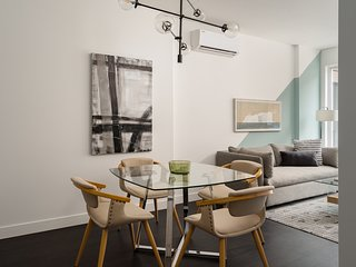 Sleek 1BR in Griffintown Floor #2 by Sonder