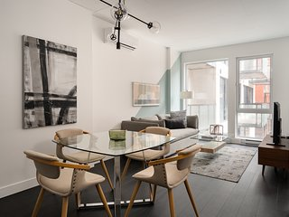 Sleek 1BR in Griffintown Floor #3 by Sonder