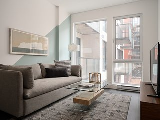 Sleek 1BR in Griffintown Floor #4 by Sonder