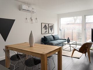 Modern 2BR in Griffintown Floor #3 by Sonder