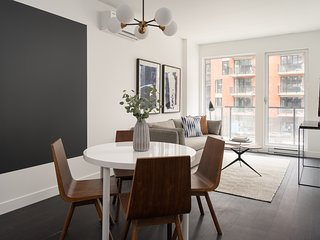 Chic 1BR in Griffintown Floor #2 by Sonder