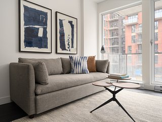 Chic 1BR in Griffintown Floor #4 by Sonder