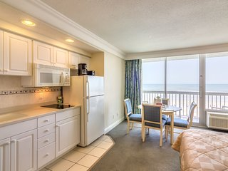 Daytona Beach Resort Ocean Front/Private Balcony Unit 346