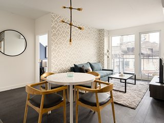 Playful 2BR in Griffintown Floor #3 by Sonder