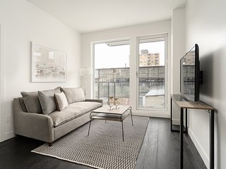 Beautiful 2BR in Griffintown Floor #4 by Sonder